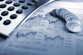 Borsa, monete e calcolatrice